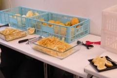 Sbucciatura limoni donna frida