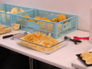 Come sbucciamo i limoni