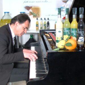 Paolo Zanarella il pianista fuori posto da donna Frida